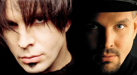 Alter-ego Chris Gaines on the left, original persona Garth Brooks on the right.
